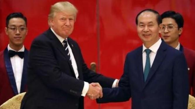 Tối ngày 11/11/2017, Chủ tịch nước Trần Đại Quang tổ chức quốc yến chào mừng Tổng thống Mỹ Donald Trump. Ảnh: Sina.