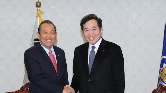 Tháng 11/2017, Phó Thủ tướng thường trực Trương Hòa Bình thăm Hàn Quốc. Ảnh: VGP.