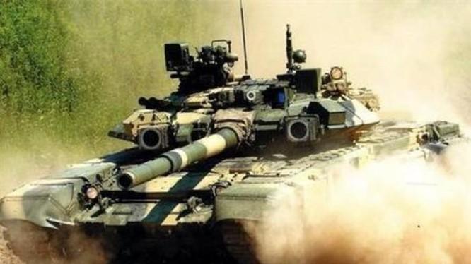 Xe tăng chiến đấu T-90 do Nga chế tạo. Ảnh: Sina.