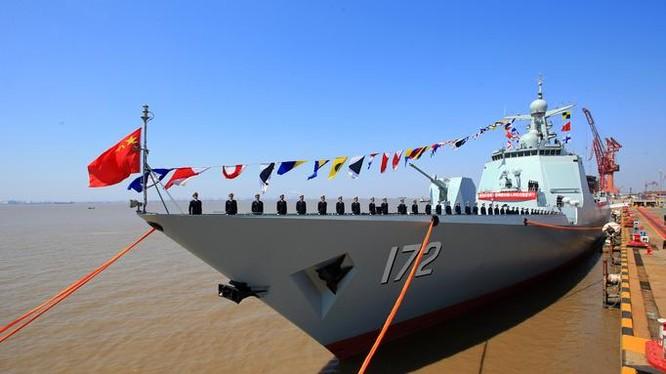 Tàu khu trục tên lửa Côn Minh Type 052D, Hạm đội Nam Hải, hải quân Trung Quốc. Ảnh: Cankao