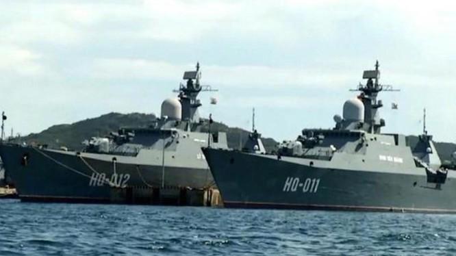 Tàu hộ vệ HQ-011 Đinh Tiên Hoàng và HQ-012 Lý Thái Tổ lớp Gepard 3.9 của hải quân Việt Nam. Ảnh: Sohu.