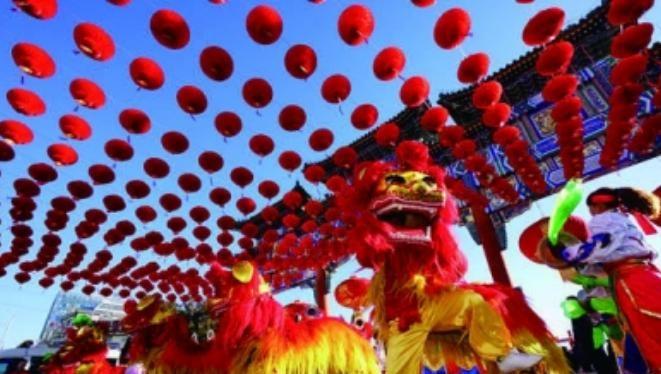 Màu đỏ là màu chủ đạo trong ngày Tết ở Trung Quốc. Ảnh: News.163.com.