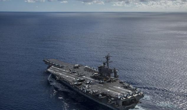 Tàu sân bay USS Carl Vinson hải quân Mỹ vừa hiện diện trên Biển Đông. Ảnh: The New York Times.