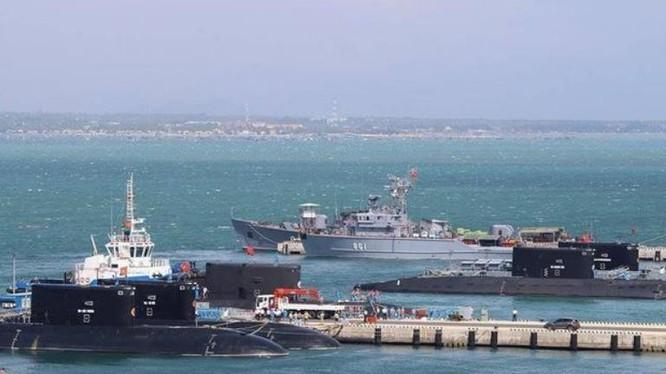 Tàu ngầm thông thường lớp Kilo của hải quân Việt Nam. Ảnh: Ifeng.