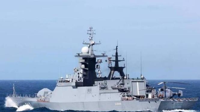 Tàu hộ vệ HMS Sutherland của hải quân hoàng gia Anh. Ảnh: Mil.