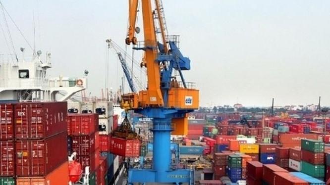 Việt Nam nên tận dụng cơ hội từ chiến tranh thương mại Trung - Mỹ, tăng cường xuất khẩu hàng hóa sang thị trường Mỹ.