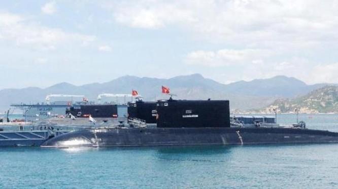 Tàu ngầm thông thường lớp Kilo của hải quân Việt Nam. Ảnh: Sina.