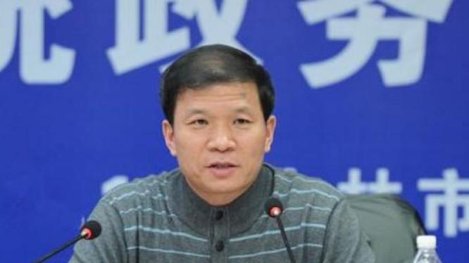 Thôi Hồng Hải, nguyên cục trưởng Cục giám sát thực phẩm và dược phẩm Cát Lâm, Trung Quốc. Ảnh: Ifeng.