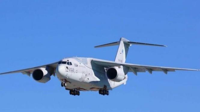 Máy bay vận tải C-2 Nhật Bản có thể cải tạo thành máy bay gây nhiễu điện từ. Ảnh: Cankao.