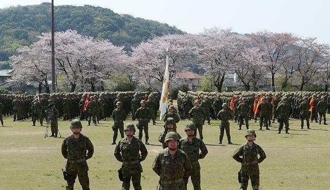 Quân đoàn cơ động đổ bộ của Lực lượng phòng vệ mặt đất Nhật Bản. Ảnh: Sina.