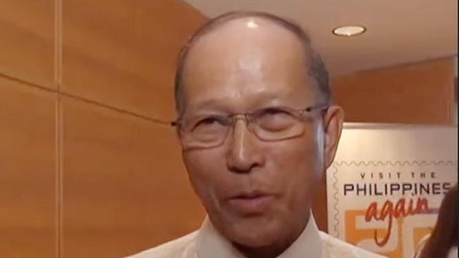 Bộ trưởng Quốc phòng Philippines Delfin Lorenzana. Ảnh: ABS-CBN News.