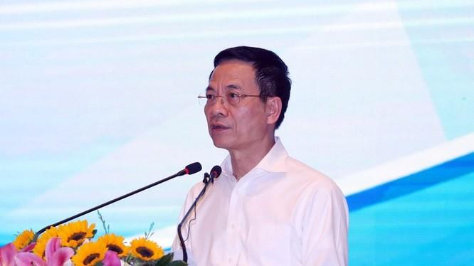 Bộ trưởng Bộ Thông tin và Truyền thông Nguyễn Mạnh Hùng phát biểu. (Ảnh: Thống Nhất/TTXVN)
