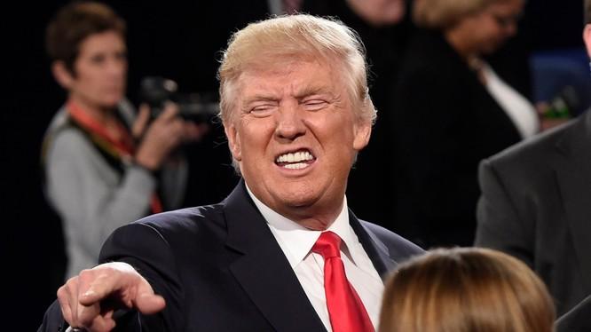 Ông Trump tung những đòn hiểm ác nhất nhằm vào đối thủ Hillary Clinton