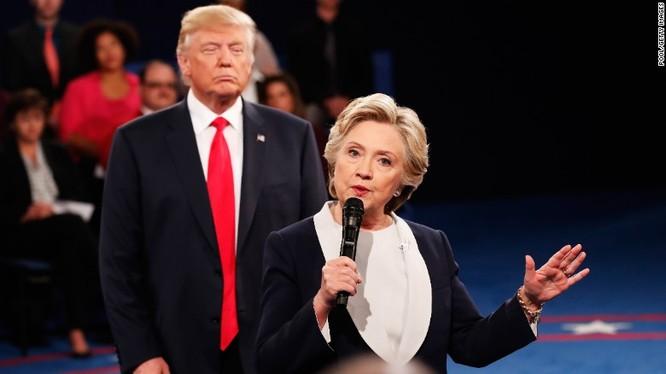 Cuộc tranh luận trực tiếp thứ hai giữa bà Hillary và ông Trump diễn ra sáng 10/10 theo giờ Việt Nam