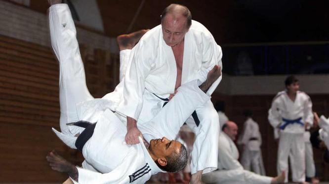 Cao thủ Putin đã thượng đài là quật ngã đối thủ