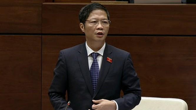 Bộ trưởng TrầnTuấn Anh đăng đàn tại Quốc hội