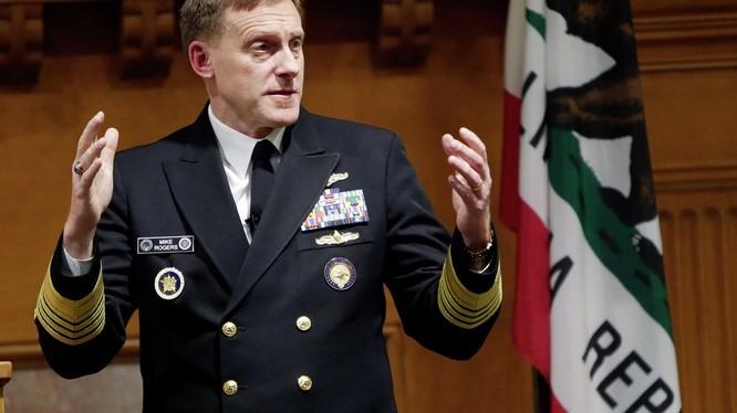 Đô đốc Michael Rogers