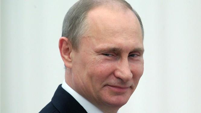 Tổng thống Nga Putin thường bị phương Tây cáo buộc là chính khách nhiều thủ đoạn, mưu phục dựng lại vị thế siêu cường như của Liên Xô trước đây