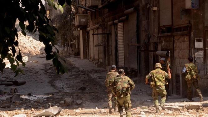 Binh sĩ Syria chiến đấu ở chảo lửa Aleppo