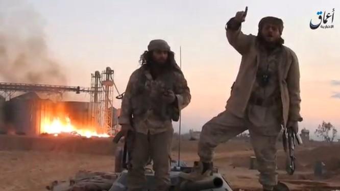 Phiến quân IS đã bất ngờ tái chiếm thành phố cổ Palmyra