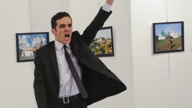 Sát thủ 22 tuổi đã ám sát đại sứ Nga