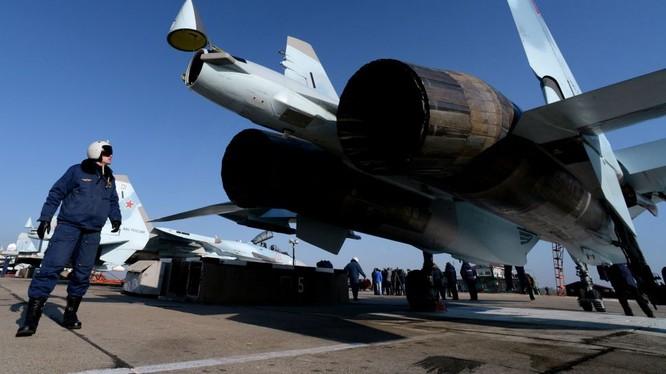 Chiến đấu cơ Su-35S cũng được Nga triển khai tại chiến trường Syria nhằm đề phòng bất trắc