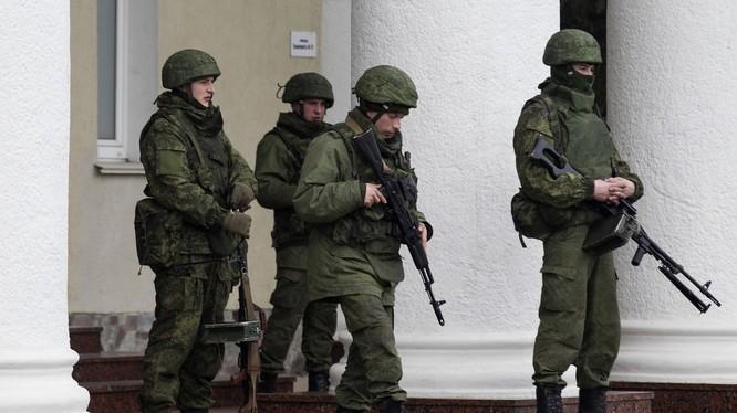 Binh sĩ Nga ở bán đảo Crimea