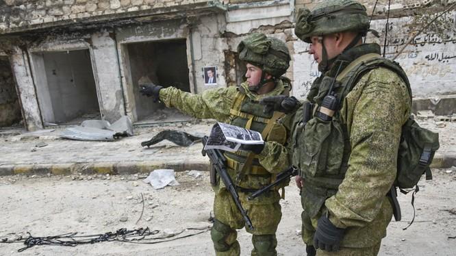 Binh sĩ Nga làm nhiệm vụ ở thành phố Aleppo, Syria sau khi giải phóng
