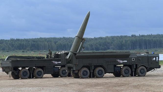 Tên lửa đạn đạo chiến thuật Iskander có thể mang đầu đạn hat nhân