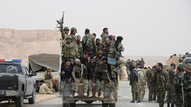 Binh sĩ Syria đang tấn công phiến quân trên nhiều mặt trận