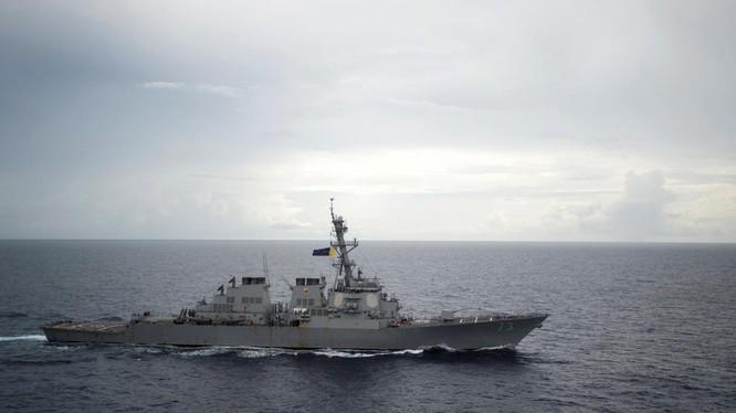 Khu trục hạm USS Decatur của hải quân Mỹ từng tuần tra thực thi tự do hàng hải ở Biển Đông