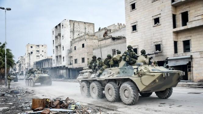 Binh sĩ Nga làm nhiệm vụ ở thành phố Aleppo, Syria