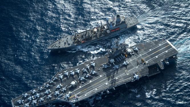 Cụm tác chiến tàu sân bay Mỹ Carl Vinson đang tuần tra trên Biển Đông