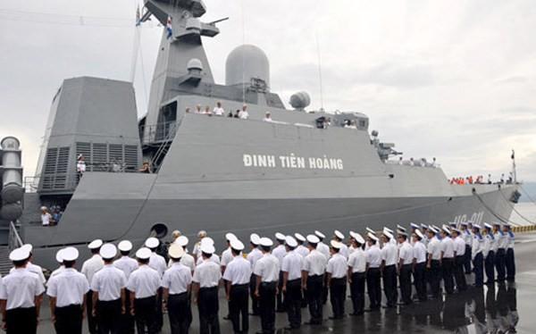 Chiến hạm Đinh Tiên Hoàng