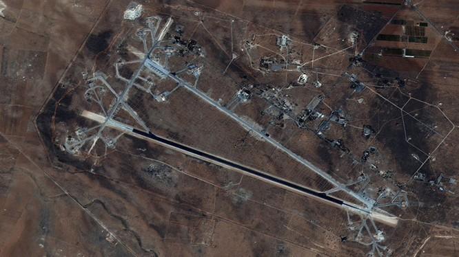 Căn cứ không quân ở Homs của Syria đã bị tên lửa Mỹ phá hủy hoàn toàn