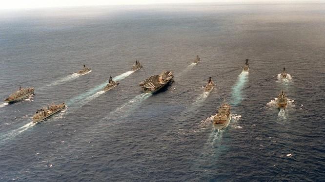 Cụm tác chiến tàu sân bay USS Carl Vinson của Mỹ đang hướng về bán đảo Triều Tiên trong bối cảnh Đông Bắc Á nóng lên