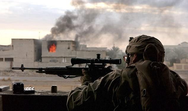 Một lính bắn tỉa Mỹ trên chiến trường Iraq