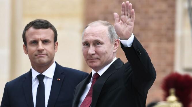 Tổng thống Nga Putin và tổng thống Pháp Macron
