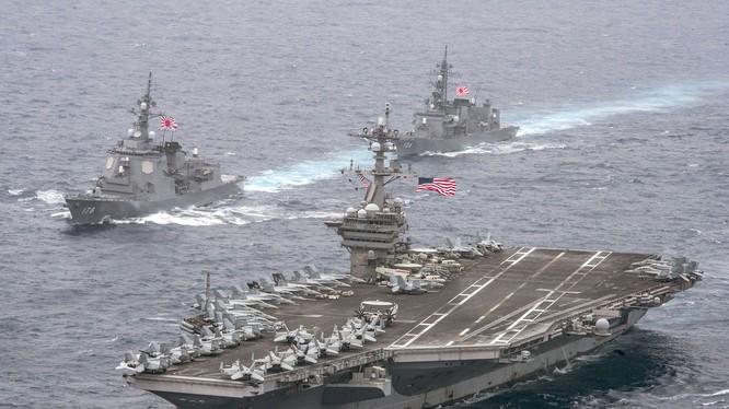 Cụm tác chiến tàu sân bay hùng hậu của Mỹ