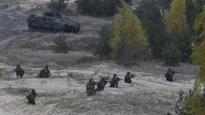 NATO đang ngày càng áp sát biên giới Nga