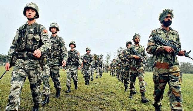 Bính sĩ Ấn Độ và Trung Quốc trong một cuộc tuần tra chung