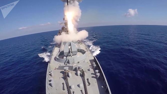 Phóng tên lửa hành trình Kalibr từ trên biển