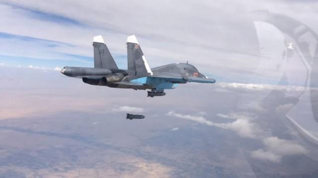 Chiến đấu cơ Su-34 Nga tấn công diệt mục tiêu khủng bố tại Syria