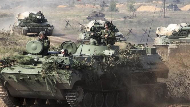 Lực lượng tăng thiết giáp Nga tham gia cuộc tập trận Zapad 2017