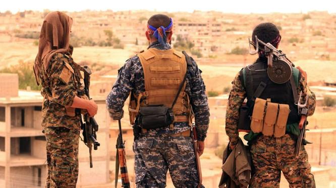 Chiến binh người Kurd tai chiến trường Syria
