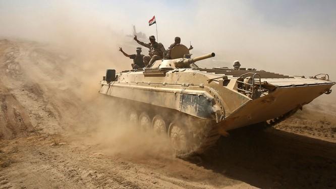 IS chưa sụp đổ hoàn toàn nhưng Iraq và người Kurd đã nổ ra xung đột vũ trang