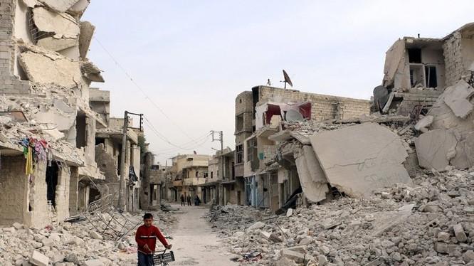 Đất nước Syria tan hoang sau cuộc chiến kéo dài đã hơn 6 năm vẫn chưa có hồi kết