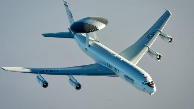 Máy bay trinh sát, cảnh báo sớm E-3 của Mỹ