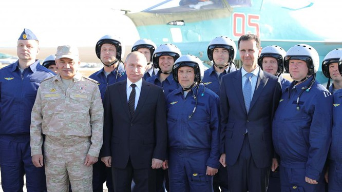 Tổng thống Nga Putin vừa bất ngờ sang Syria hạ lệnh rút quân đội Nga