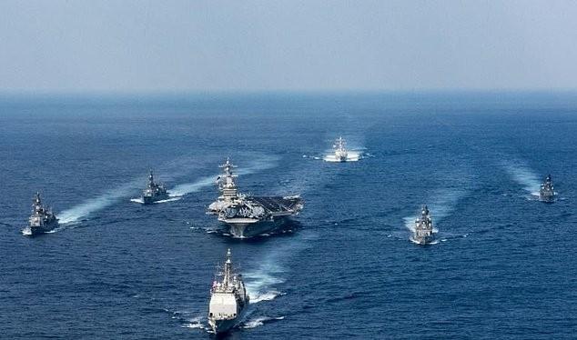 Cụm tác chiến tàu sân bay Carl Vinson trên đường tới bán đảo Triều Tiên năm 2017